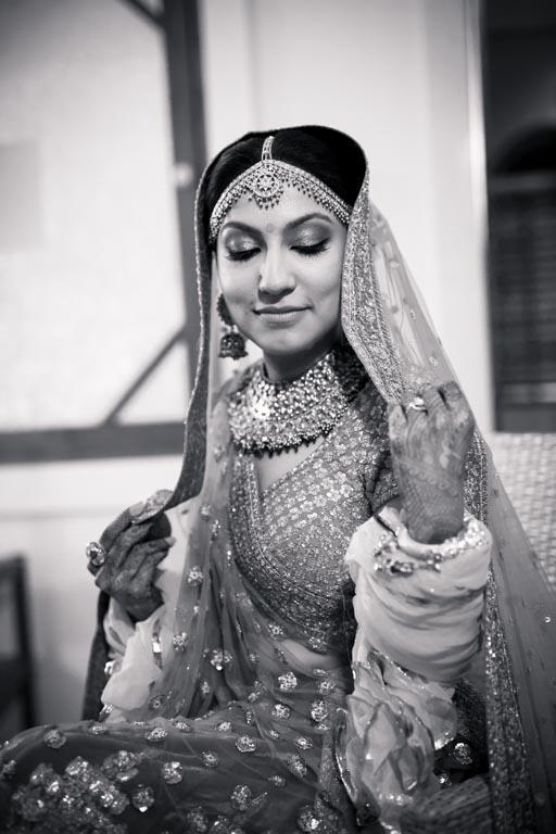 bridal photoshoot pose